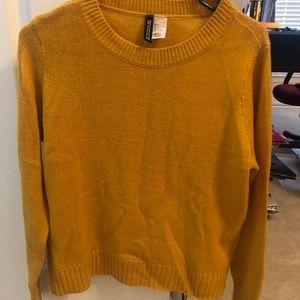 H&M mustard sweater. Size S.